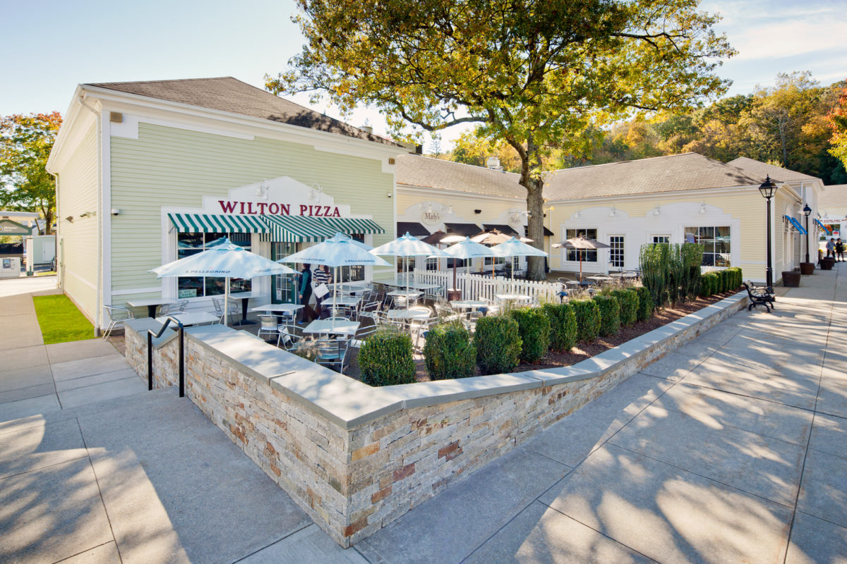 Wilton Pizza - Town Green at Wilton Center